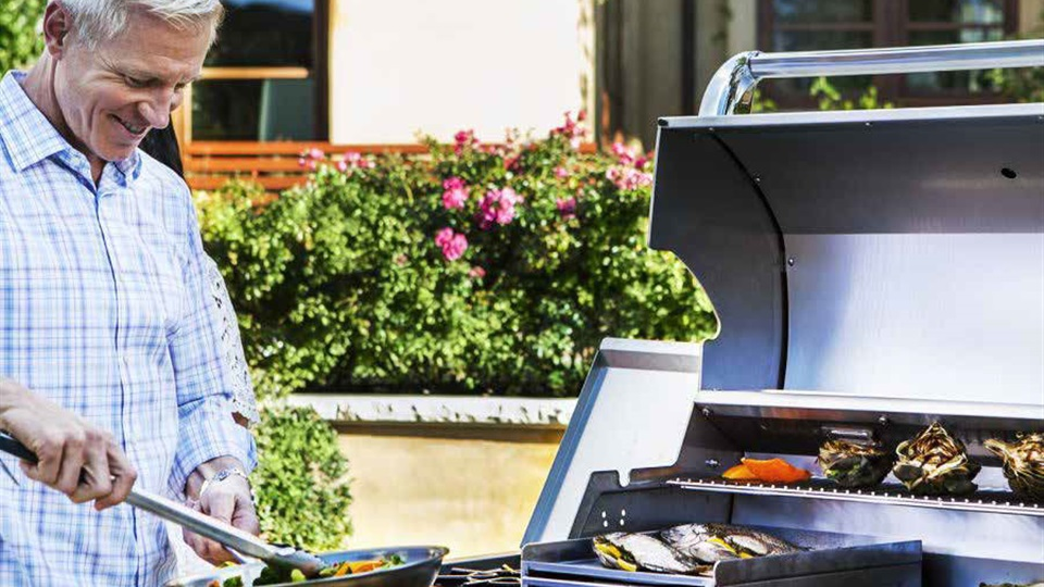 Saber offer premium barbecues with superior infrared cooking and heavy duty design.